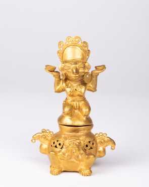 A Pre Columbian Tairona Gold Figural Lidded Vessel