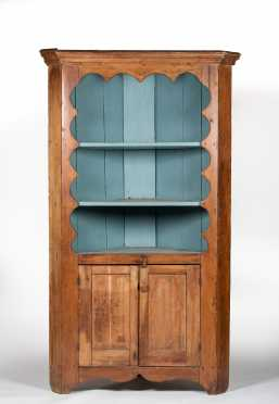 NJ/PA Scalloped Top 19thC Corner Cupboard
