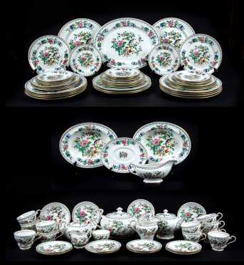 Aynsley China Service, Pembroke Patters Service for Twelve
