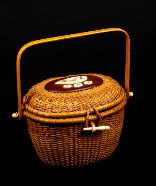 20thC Nantucket Basket Purse with Scrimshaw Decorated Lid