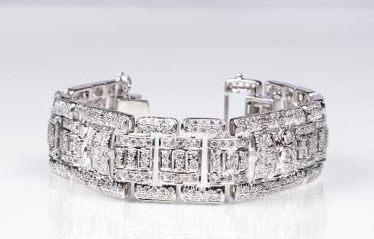 Art Deco Style Diamond and 18K White Gold Bracelet