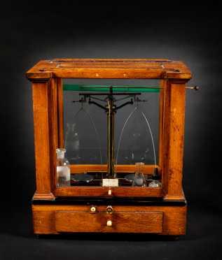 """""""Central Scientific Co"""" Laboratory Balance Scale"""