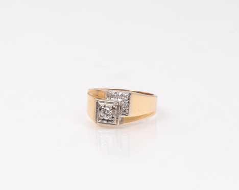Mens Retro 14K Diamond Ring