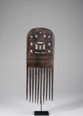 An Akan comb