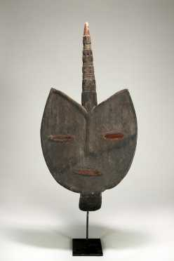 A superb and rare Kaka-Mfumte mask