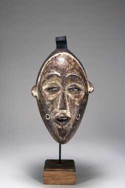 A rare and unusual Lulua mask