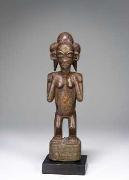 A Chokwe female figurine