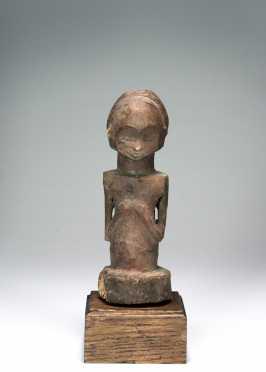 A Fine Kusu half-figure