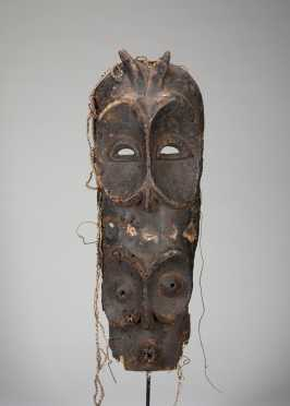 An old Bembe mask