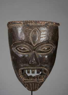 Darmapala mask – protector of the faith